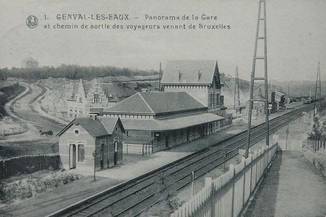 Panorama de la gare et chemin de sortie des voyageurs venant de Bruxelles Collection Philippe Godin