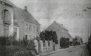 Rue du Chène vers 1920 Collection Cercle d'Histoire de Rixensart.jpg