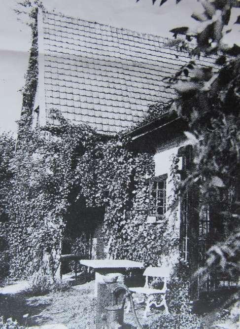 120929 Rue du Tilleul maison habitée par le peintre Pierre Thévenet c CHR origine René Ducoffre