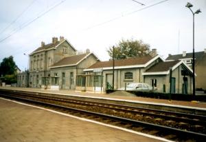 1017. Gare de Rixensart coté voies décembre 1989 © Philippe Debecker 4.jpg