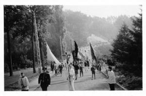 1020. Procession à Rixensart (rue de l'Eglise) 15 août 1950 ou 1960 c Marcelle Dupuis.jpg
