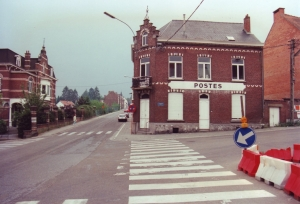genval,maubroux,avenue des combattants,la poste 1332