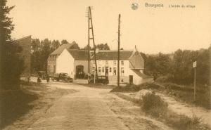 888. Rixensart Bourgeois L'entrée du village r.jpg