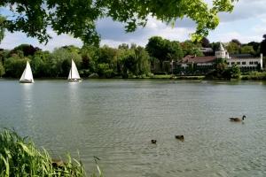 genval,lac de genval,château du lac,canotage