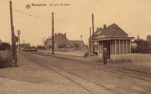 Le quai du tram Bourgeois c Anne-Marie Delvaux.jpg