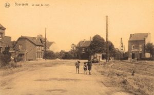 1034. Le quai du tram à Bourgeois c JCR Bourotte.jpg