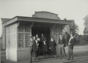 1499 vers 1933 Quai du tram c Francis Broche.jpg