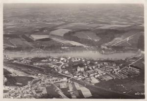 1402. Vue aérienne de Genval et son lac (visibles église saint-pierre hôtel belvédère) (1).jpg