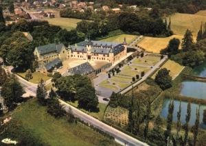 2500 Château de Rixensart  vue Aé c JCR BOU.jpg