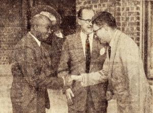 1630. 1950 juillet Le Mwami de l'Urundi visite les Papeteries de Genval (journal du dimanche 16 juillet 1950) c Fonds Lannoye (Ed. Rétro Rixensart).jpg