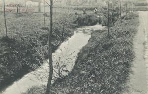 1677. Cascade de la Lasne à Genval 1906 (rue du Moulin) (1).jpg