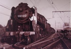 genval,trains,gare de genval,papeteries
