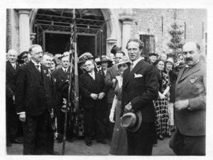 2007. 29 juin 1937 Visite du Roi Léopold III à la famille de Merode au Château de Rixensart © Bernard Collin Archives de Merode Trélon (via Joël Danlou).jpg