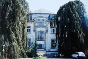 4 Villa Beau Site avril 1996 Collection Cercle d'Histoire de Rixensart.jpg