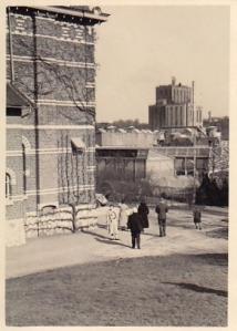 1937 28 mars Pâques à l'avant-plan Auguste Lannoye © Fonds Lannoye (Ed. Rétro Rixensart).jpg