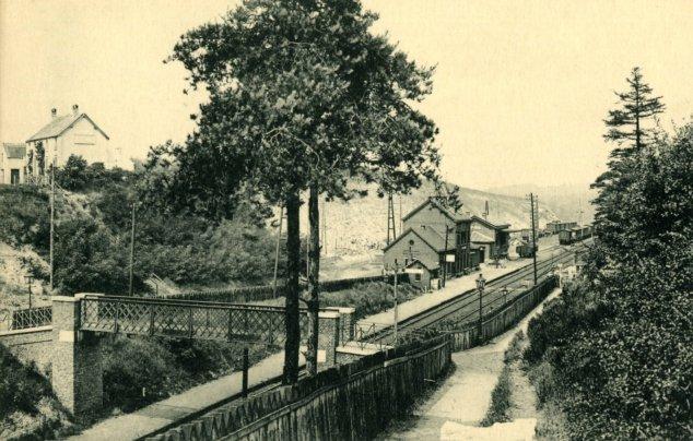 40C. Gare de Genval