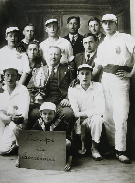 1628. 1930:1931 Coupe du Centenaire c Cercle d'Histoire de Rixensart.jpg