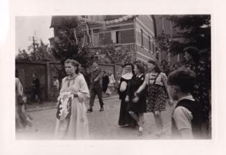 1945 10 mai Fête de la Libération Place communale de Genval c Fonds Lannoye (Ed. Rétro Rixensart) 20