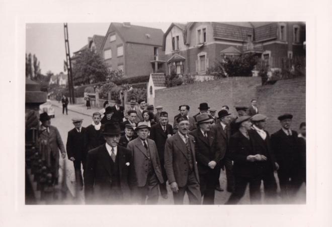 1945 10 mai Fête de la Libération Place communale de Genval c Fonds Lannoye (Ed. Rétro Rixensart) 5