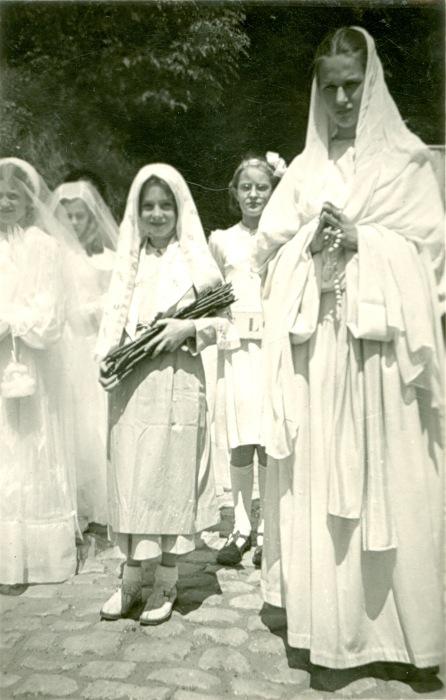 893. Procession à Froidmont juin 1950 Collection Jean-Claude Renier (5)