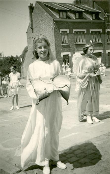 893D. Procession à Froidmont juin 1950 Collection Jean-Claude Renier (3)