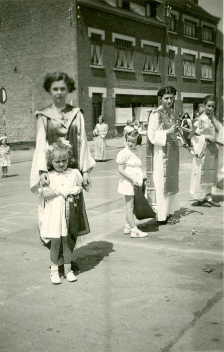 893E. Procession à Froidmont juin 1950 Collection Jean-Claude Renier (4)