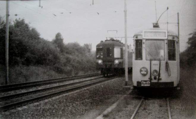 Fin années 50 entre la gare de Rixensart et l'arrêt Pélerin motrice type S à 1 agent Collection Cercle d'Histoire de Rixensart