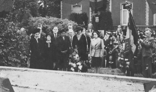 176.7 Rapatriement fusillés genvalois 17 juin 1945 Place communale Collection Luc Debource (6)