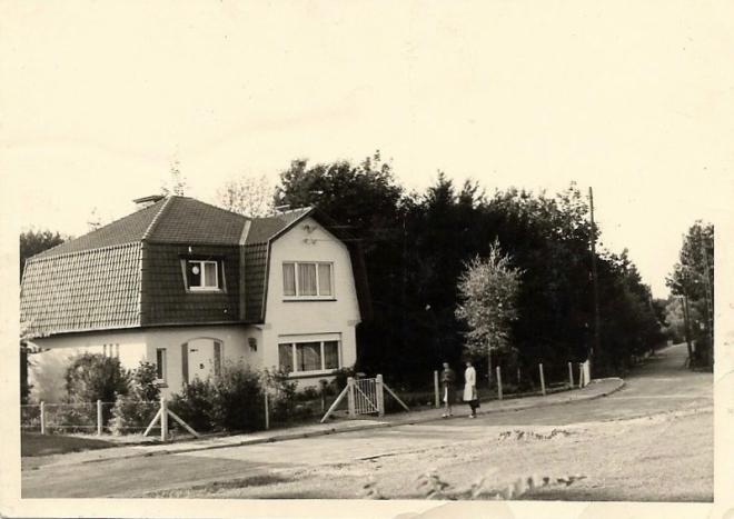 180604 Avenue du Bois Là-Haut 11 à hauteur de chemin chapelle Robert coll. Monique D'haeyere .JPG0