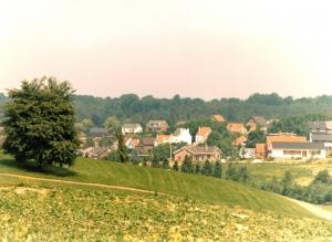 1021. Froidmont (panorama depuis le monastère des Bénédictines) 18 juin 1978  Jean-Claude Renier.jpg