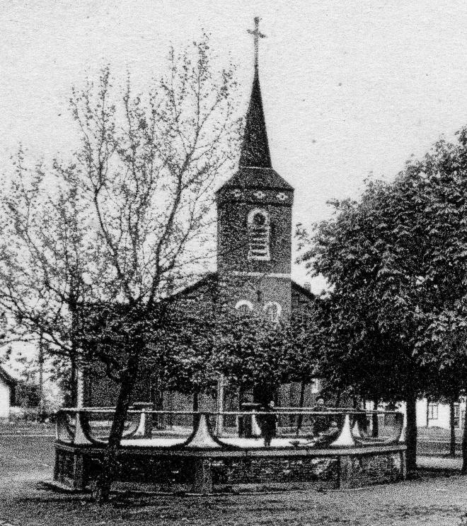 1020. Place Cardinal Mercier Bourgeois après 1948 c Jean-Louis Nicaise
