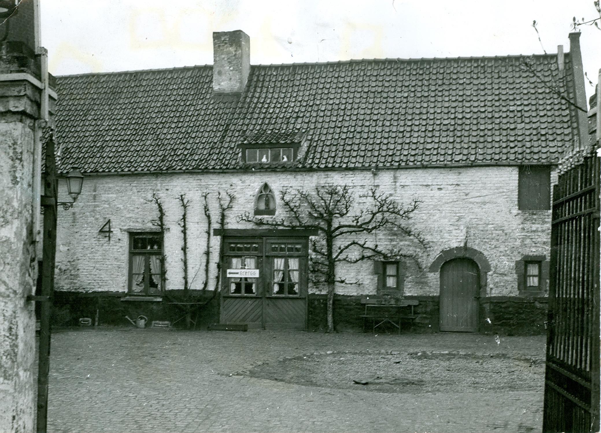 Auberge Sainte Barbe au début rue de l'Institut c Paul Gilson copie