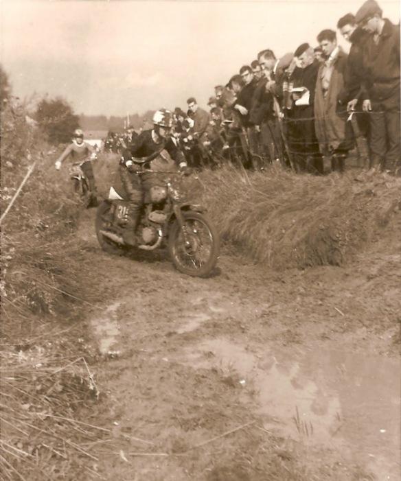 483. Motocross à Froidmont c Francis Broche-1