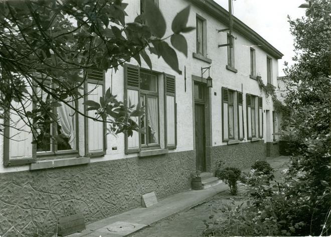952. Première école communale n° 7 rue de l'Eglise 1840 à 1875 maison Van Parijs