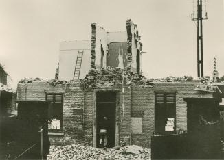 898B. 2ème école communale et maison communale destruction_2 c Paul Gilson