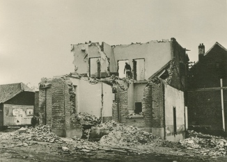 898C. 2ème école communale et maison communale destruction_3 c Paul Gilson