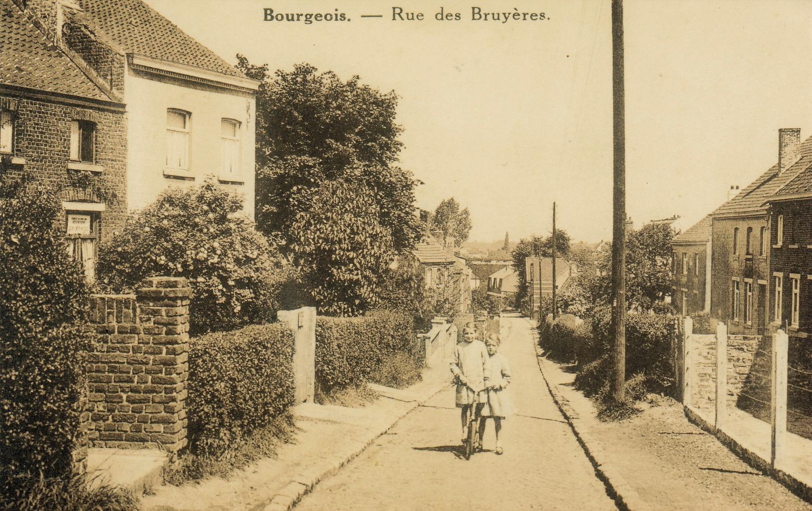 Rue des Bruyères à Bourgeois c Anne-Marie Delvaux