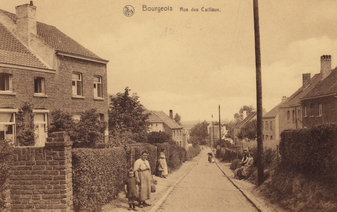 181002 Rue des Cailloux Bourgeois 1922 coll. Jean-Louis Lebrun