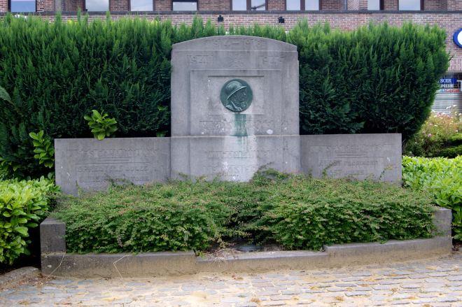 Monument aux Morts Rosières 6.2014 © Monique D'haeyere