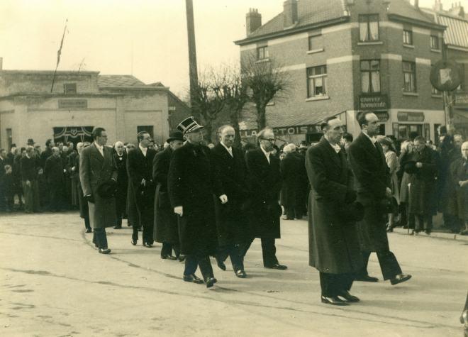 10. Funérailles Dr Lucien Dessy mars 1947 Collection Dupuis Delbrassinne