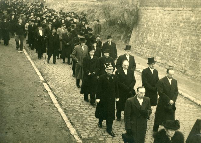 19. Funérailles Dr Lucien Dessy mars 1947 Collection Dupuis Delbrassinne