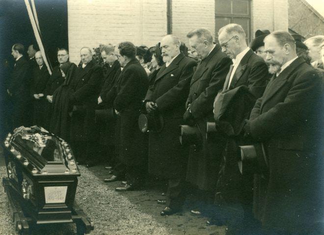 6. Funérailles Dr Lucien Dessy mars 1947 Collection Dupuis Delbrassinne