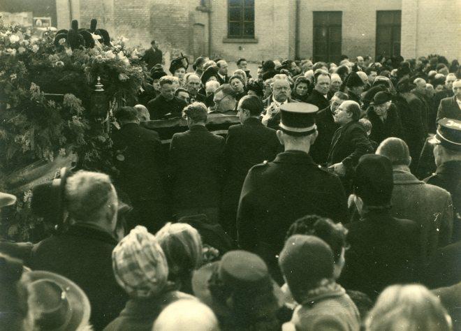 7. Funérailles Dr Lucien Dessy mars 1947 Collection Dupuis Delbrassinne
