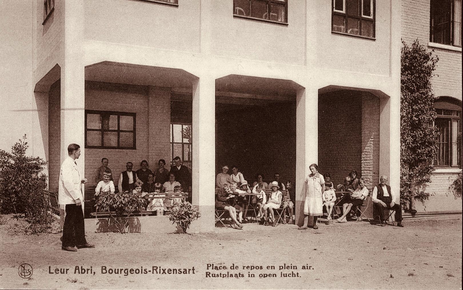 1083. Leur Abri à Bourgeois c JCR CC
