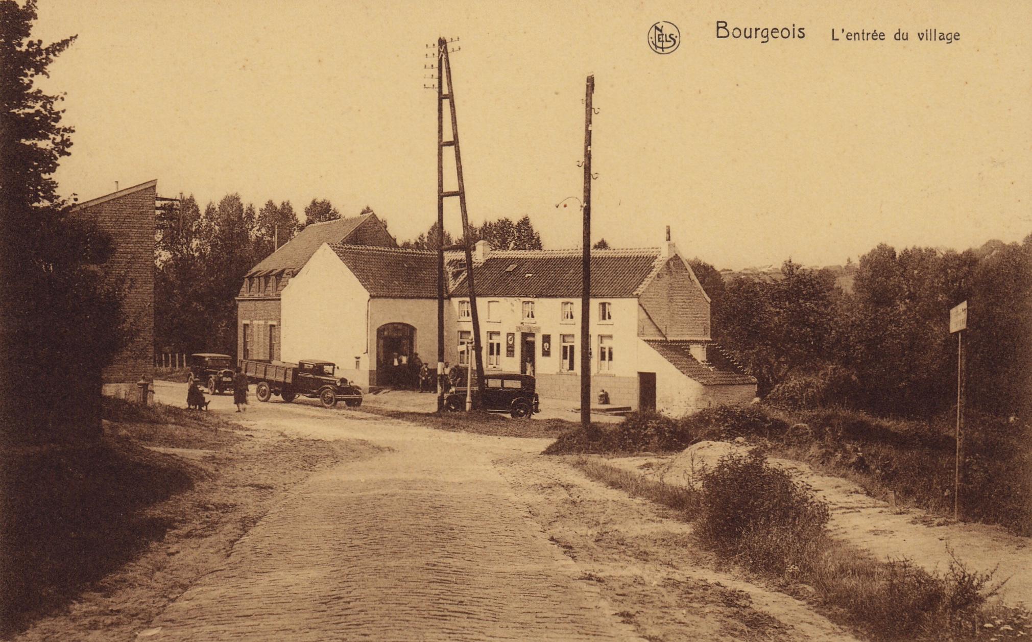 2 Entrée du village Bourgeois coll. Jean-Louis Lebrun copie