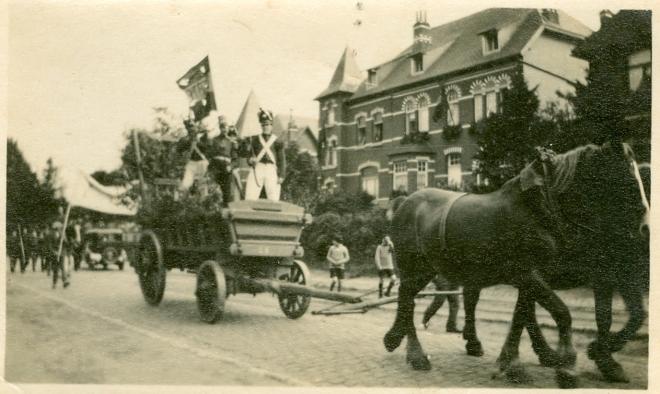 1930 Centenaire de la Révolution - Grand Cortège Patriotique avenue de Merode à Rixensart c Paul Gilson - 4