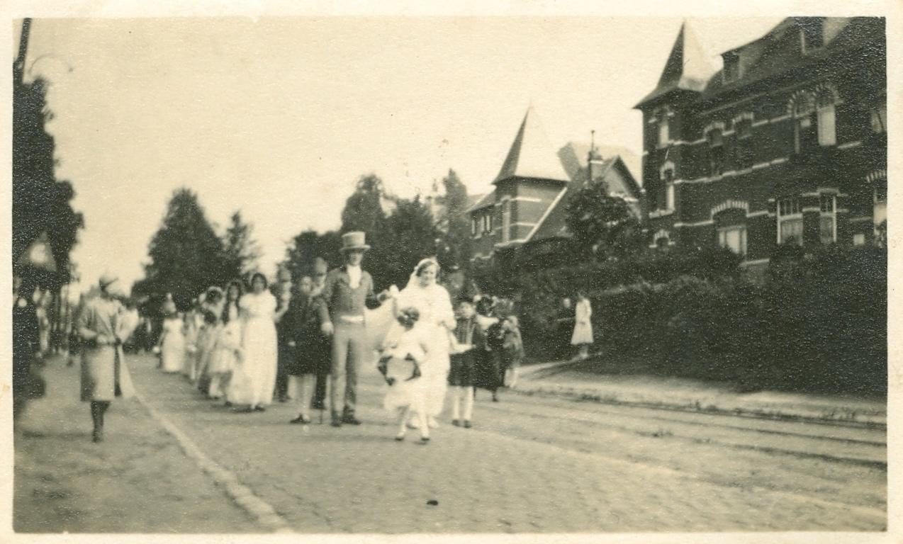 1930 Centenaire de la Révolution - Grand Cortège Patriotique avenue de Merode à Rixensart c Paul Gilson - 1
