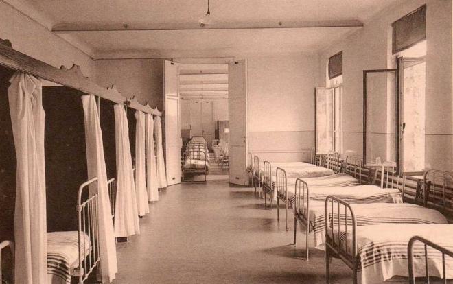 Institut Médico Pédagogique Sainte-Elisabeth un dortoir