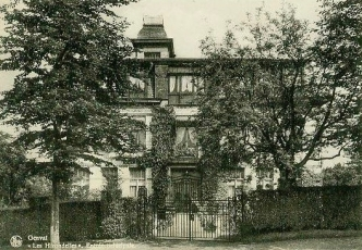 Entrée principale de la Villa Les Hirondelles à Genval