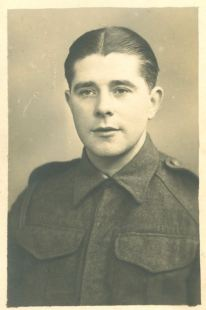 Edwin Skelly photographié en Belgique en mars 1945 coll Marcelle Dupuis